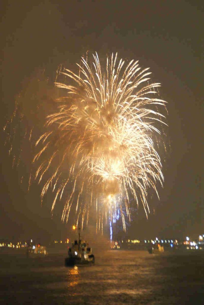 Fireworks on the Scheldt